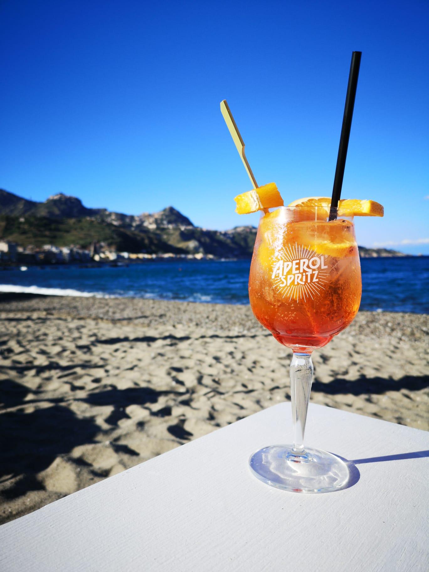 Sayonara Beach Naxos, Bar